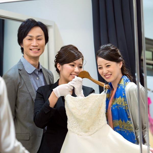 【平日限定!】 ドレス試着で写真撮影!限定ブライダルフェア
