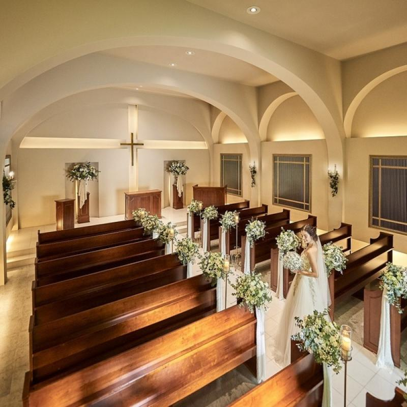 【来館時にSABON進呈☆】大階段付き教会の挙式体験×絶品試食♪