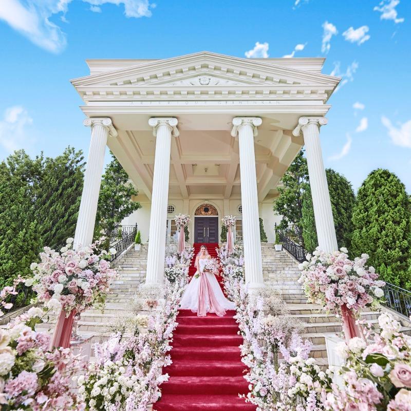 \映画のような/憧れ大階段♪白亜の邸宅ツアー【15大特典付】