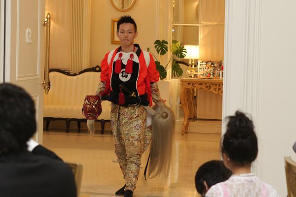 衣装チェンジの入場は、獅子舞の衣装で!