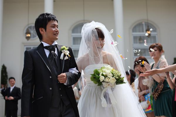 今日は楽しみにしてた結婚式♪わぁ~いっ!雨予報だったけど 晴れましたっ☆
