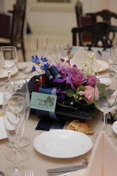 披露宴会場の卓上花。イメージどおりです。