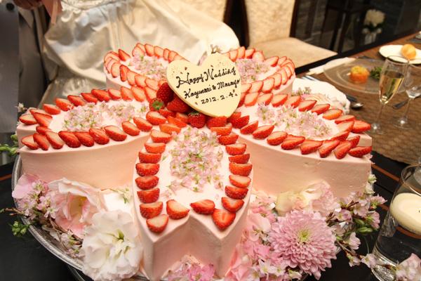 テーマの桜のケーキ☆希望通りで大満足!!!
