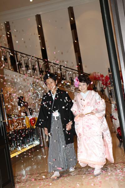 桜の曲で、大石さん作の桜吹雪で入場☆