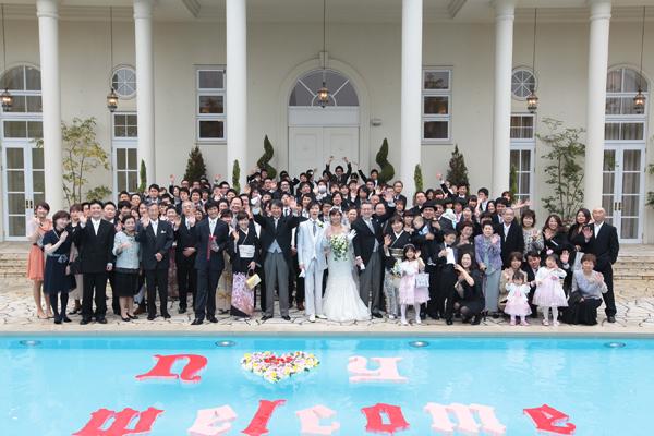総勢120名! そして、プールを彩る、「n ♡ y Welcome」プロ顔負けの…自主制作!