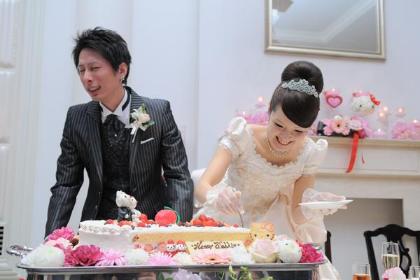 ウエディングケーキももちろんキティ仕様( ・◇・)