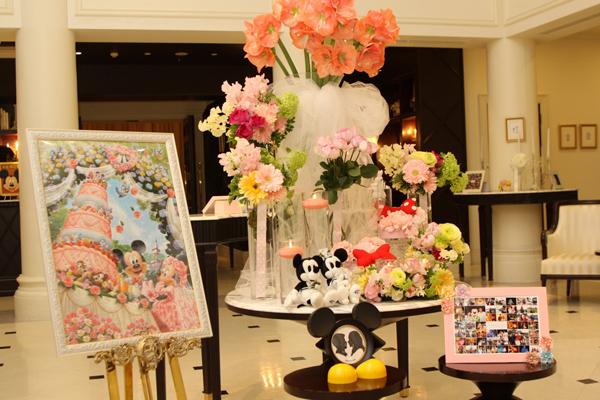 """テーマは""""ディズニー""""可愛いお花とディズニーグッズでみんなをお出迎え"""
