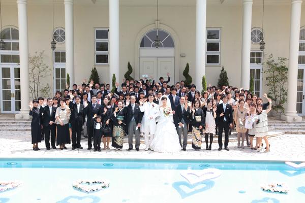 ガーデンクラブにした決め手はやっぱりこちらのプール。結婚式日和で最高!