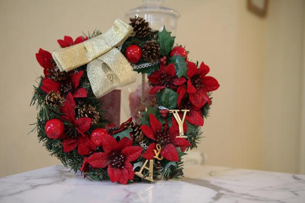 結婚式のテーマ「クリスマス」という事で友人がプレゼントしてくれたウェルカムリース