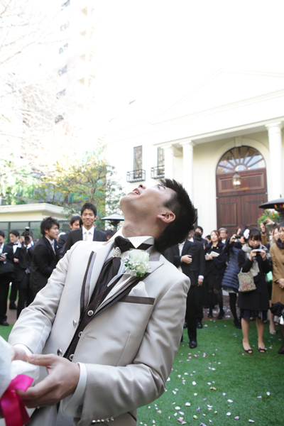 花婿もブロッコリートスで幸せのおすそ分け。一気に盛り上がりました。