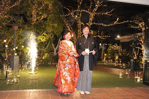 お色直しの入場は念願の和装で花火と共に