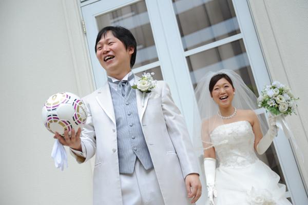 『ブーケトス&サッカーボールトス』幸せキャッチの瞬間!