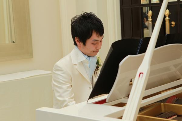 サプライズでホールニューワールドをピアノで生演奏!緊張しました・・・。