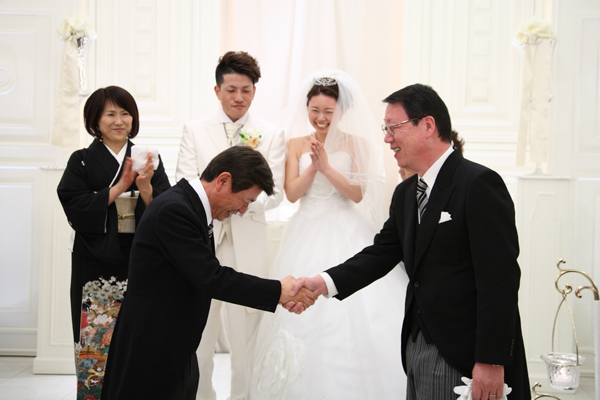 「結び」がテーマという事もあり、お父さん同士握手。会場がふわっとなったよ(笑)