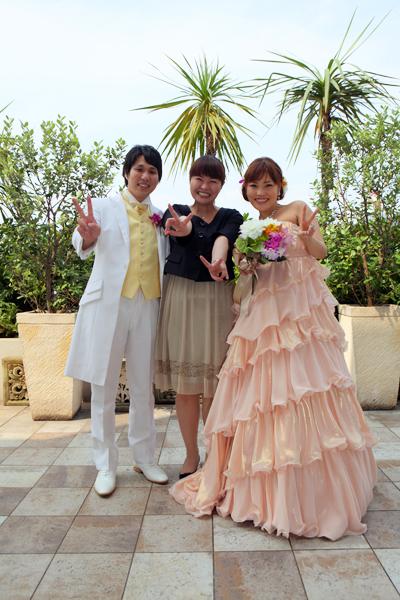 最後にとっても素晴らしい式にして頂いた、最高の司会者小川さんと