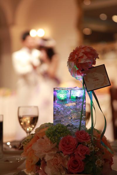 ダリアの花言葉「感謝」。テーブルラウンドでゲストに気持ちを伝えました。