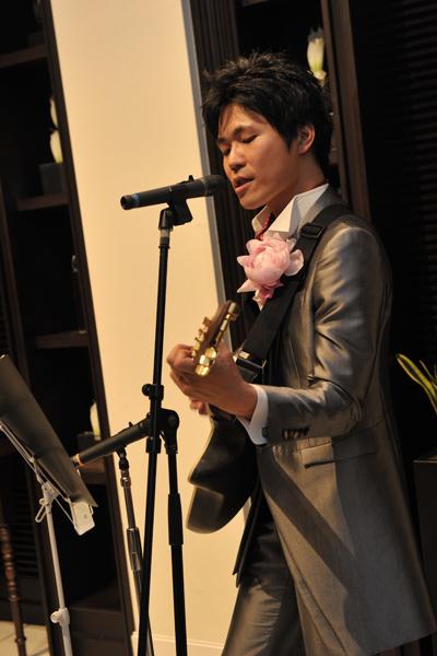新郎からのサプライズ演奏、感激しました。