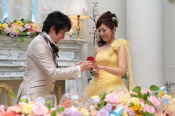 大好きな『美女と野獣』のテーマに合わせて、赤いバラの指輪をサプライズプレゼント!!