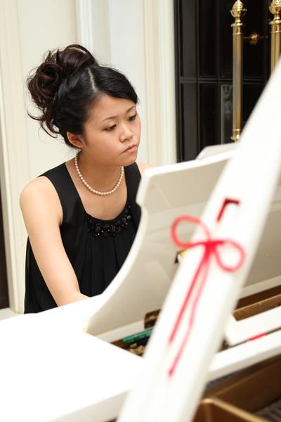 妹が手紙朗読のバックミュージックをピアノで演奏してくれました☆