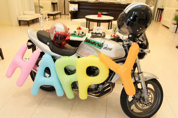 ウェルカムスペースには、趣味のバイクや手作りのアイテムを飾りました☆