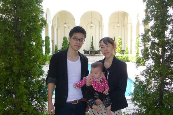 2012年10月8日。結婚式から1年経ち、娘も無事に生まれました!
