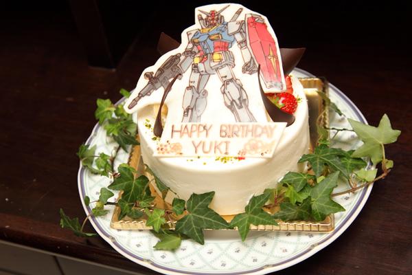 旦那様へのサプライズバースデーケーキ