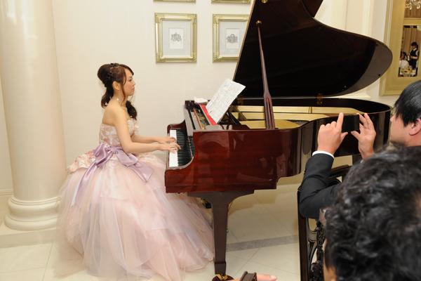 皆様へ感謝を込めて 新婦よりピアノ演奏のプレゼント