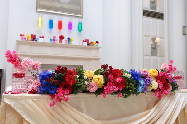 メインテーブルも嵐カラーで装飾