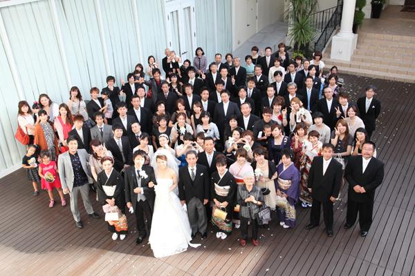 式を見に来てくれた全員で記念写真