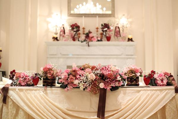 お花のテーマはバレンタイン ピンクと茶色でまとめてもらいました