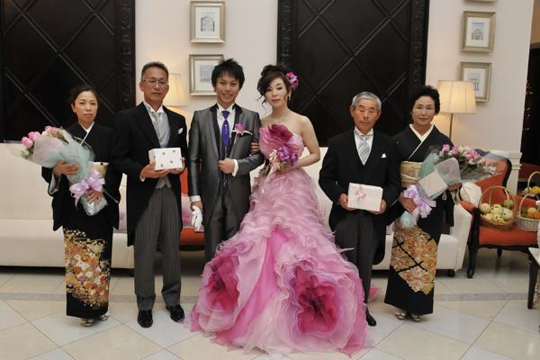 両家の両親と記念写真