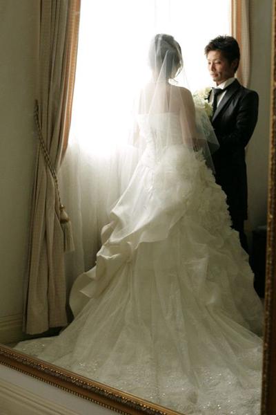 これからはじまる結婚式にドキドキしていました。写真もちょっと緊張気味?