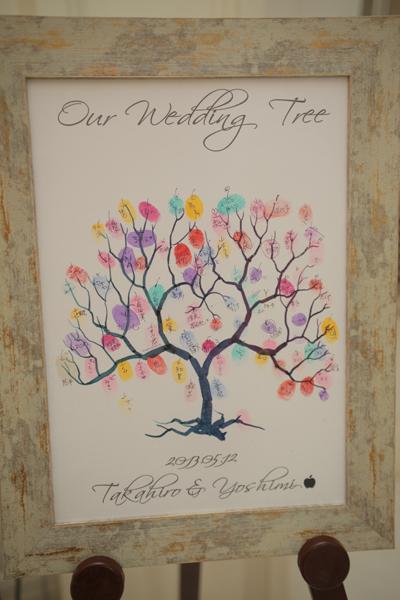リンゴがテーマなので、ウェディングツリーも林檎の木♪