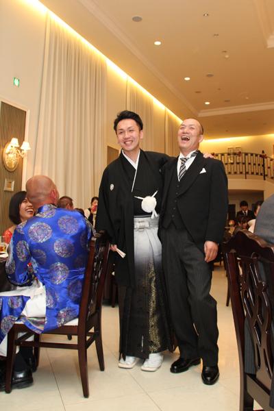 新郎はお父さんと一時退席。普段は言えないけど、尊敬してるんです。