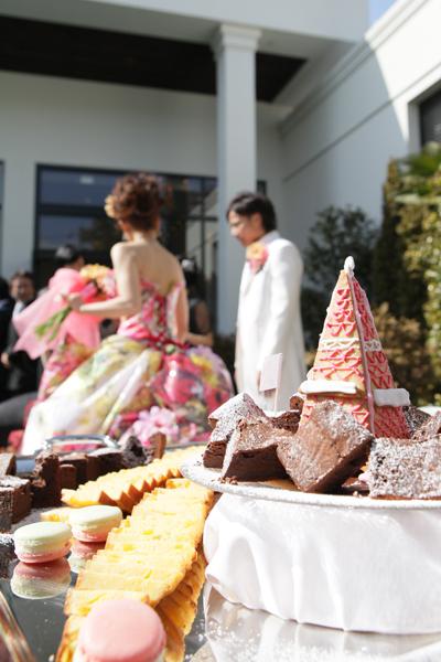 デザートブッフェ☆ひな祭りカラーをたくさんとり入れてもらいました