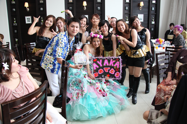 高校のDANCE部の友達が「Mr.TAXI/少女時代」踊ってくれました♪MAHALO!!