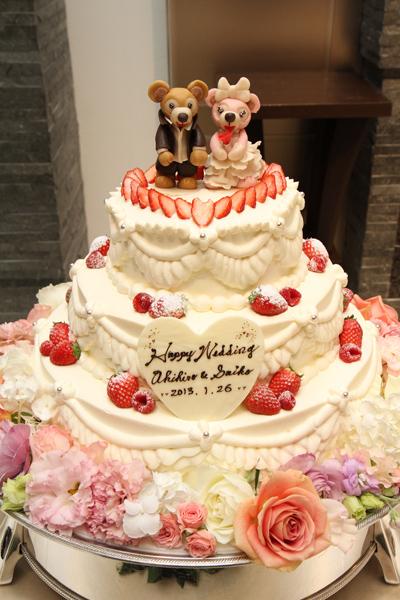 あのシェフが!?こんなにかわいいウェディングケーキを作ってくれました!感激☆