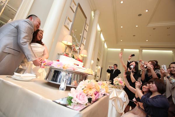 みんなにも見えるように上段を傾けてください!!と前代未聞のお願いをしたケーキ☆斜めになってました♪