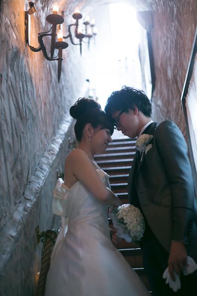 階段でのお写真はとても雰囲気があってオシャレ