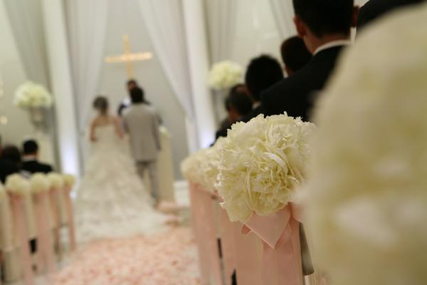 真っ白なチャペルがロマンチックで素敵でした。