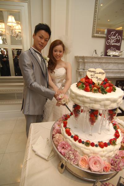 高さのあるウェディングケーキが写真にも映えてお気に入りです。