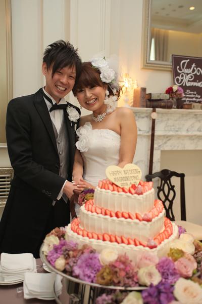 お気に入りの三段ハートの可愛いウエディングケーキ☆