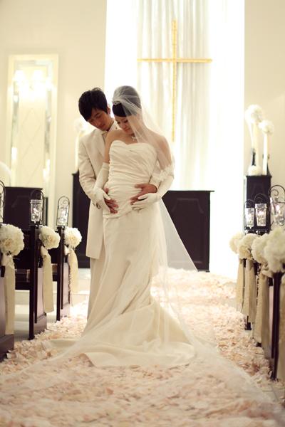ウェディングドレスはお腹の形がわかるマタニティ用のマーメイドドレスに一目惚れ☆お気に入りの一枚。