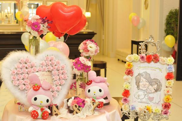 新婦の大好きなマイメロディとピンク色で、会場を飾りました。