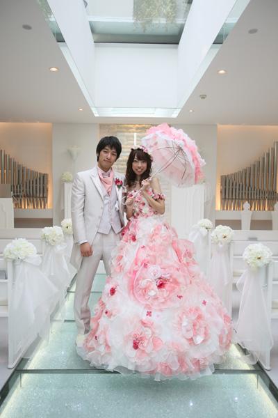 お花のカラードレスに合わせたパラソル!一番拘った所です。