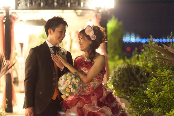式後。迎賓館で結婚式を上げれたことに感動しているふたりです。キラキラ☆