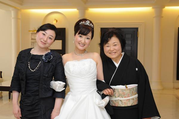 母と姉と一緒に中座。母の笑顔が印象的