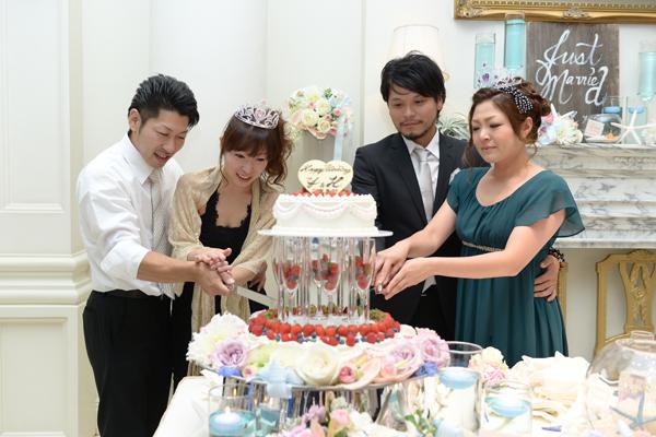 姉夫婦にサプライズケーキ入刀★喜んでもらえてよかった!!