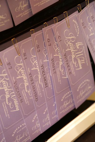 エスコートカードはライブチケット風 切り取ってみんなからのメッセージを集めて宝物に