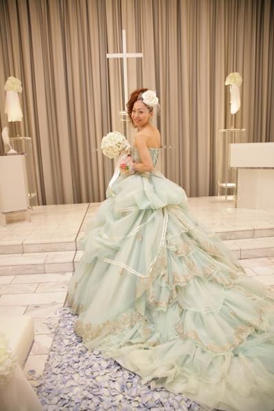 素敵なドレスを着せてくれ、花嫁さんにしてくれた彼に感謝